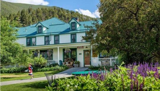 Chico Hot Springs Resort Hotel, Montana